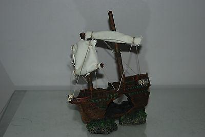 Aquarium Sunken Shipwreck & Sails Decoration 21 x 6 x 24 cms For All Aquariums 7
