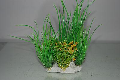 Aquarium 2 x Yellow & Green Plants 9 x 4 x 15 cms Suitable For All Aquariums 7