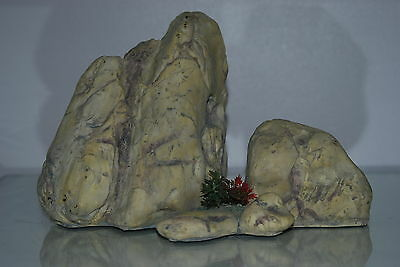 Large Aquarium Light Coloured Detailed Rock Cluster Ornament 28.5 x 13.5 x 18 cm 5