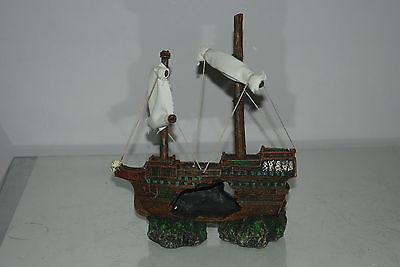 Aquarium Sunken Shipwreck & Sails Decoration 21 x 6 x 24 cms For All Aquariums 8