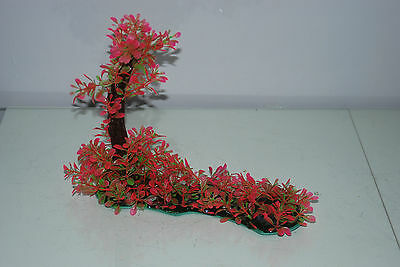 Aquarium Realistic Plastic Plant 7 x 25 x 23 cms On Flat Base Red & Green Plant 7