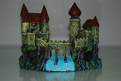 Detailed Aquarium Small Castle and Weir Decoration 16 x 5 x 12 cms 2