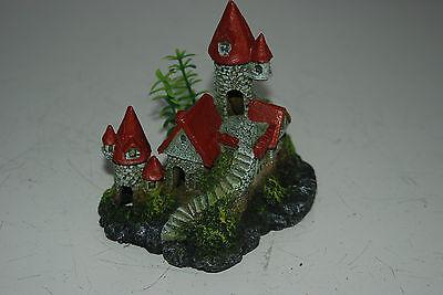 Detailed Aquarium Small Castle and Plant Decoration 12 x 8 x 12 cms 2
