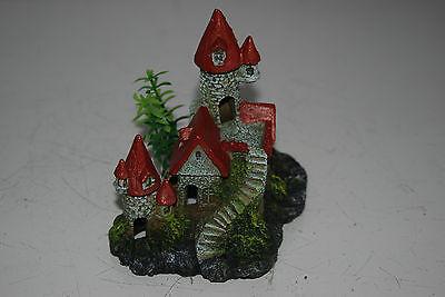 Detailed Aquarium Small Castle and Plant Decoration 12 x 8 x 12 cms 3