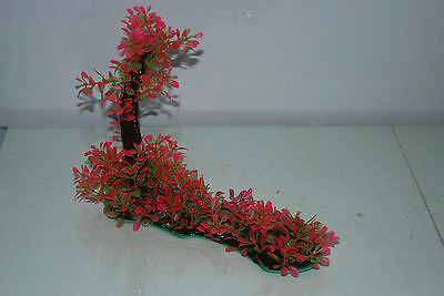 Aquarium Realistic Plastic Plant 7 x 25 x 23 cms On Flat Base Red & Green Plant 9