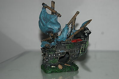 Stunning Large Aquarium Detailed Old Pirate Galleon With Sails 42 x 10 x 28 cms 4