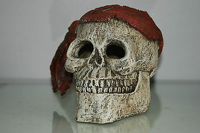 Aquarium Detailed Large Pirate Skull With Scarf  Decoration 19 x 19 x 16 cms 2