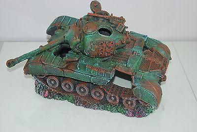 Stunning Aquarium Large Battle Tank Decoration 34 x 21 x 21 cms 11