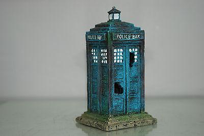 Stunning Small Aquarium Old London Police Box 8 x 8 x 16 cms For Aquariums 3