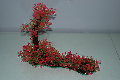 Aquarium Realistic Plastic Plant 7 x 25 x 23 cms On Flat Base Red & Green Plant 2