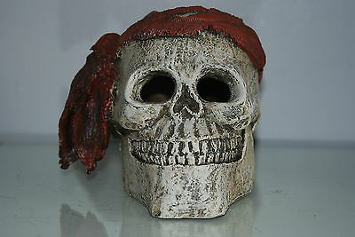 Aquarium Detailed Large Pirate Skull With Scarf  Decoration 19 x 19 x 16 cms 3