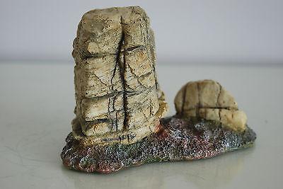 Detailed Vivarium Rock Cluster Landscape For All Vivariums 15 x 7 x 10 cms 7