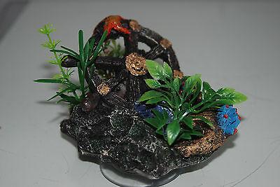 Aquarium Reef Rock + Suckers With Sunken Wheel 10 x 8 x 15 cms 2