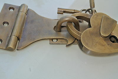 box & HEART padlock catch hasp latch vintage style BOX antiques DOOR Keys heavy 4