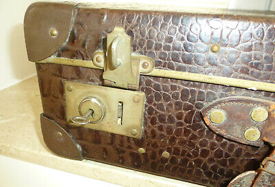 Real Volcano Fibre Suitcase um 1910 Vulcanised Fibre Travel Cases 7