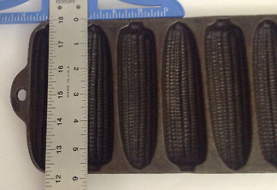 Vintage Cast Iron Bread/cake/muffin Mold Pan Krusty Korn Kobs Wagner Ware