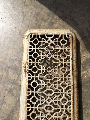 "Rt 4 Antique Cast-Iron Radiator Cover Overall 25"" X 9"""