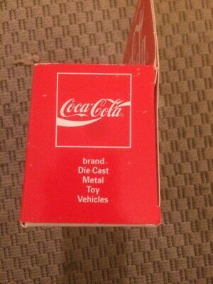 camion metal renault trafic1994 avec pub coca cola 1/43 6