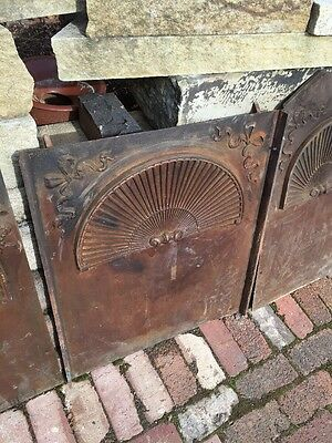 Fb 27 Three Peas Antique Cast-Iron Fireback Fan Shell Ribbon Design 3