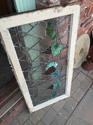 Sg 748 Antique Grape Vine Window With Painted Grapes