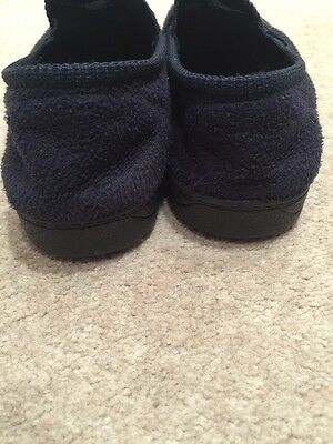 Size 2 Kids Navy Slippers With Pirate Motif 5