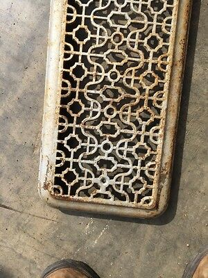 """Rt 4 Antique Cast-Iron Radiator Cover Overall 25"""" X 9"""" 4"""