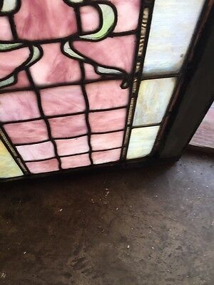 Sg 808 Antique Ribbon And Jewel Landing Window