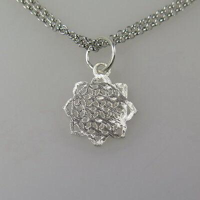 massiver kleiner Anhänger 925 Silberanhänger eismatt Blume des Lebens 1 cm
