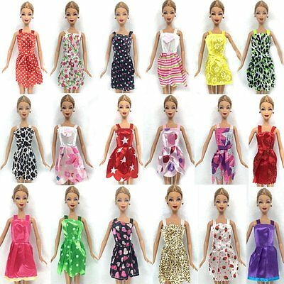36 or 15 PIECES BARBIE DOLL DRESSES, SHOES & HANGERS CLOTHES SET UKSELL FREE P&P 7