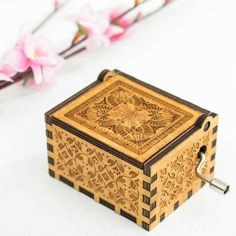 Hand Crank Wooden Engraved Queen Music Box Kids Christmas Gift 64*52mm 6