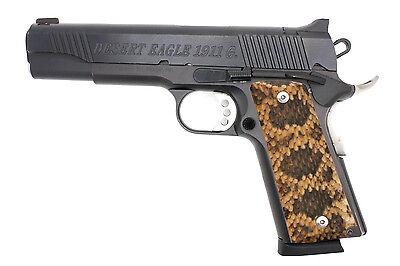 Custom-Full-Size-1911-Grips-Ambidextrous-Rattlesnake-Rattler-_1.jpg