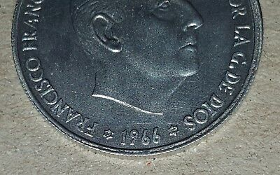 Estado español FRANCO. ESCASA 50 céntimos año 1966 en estrellas 1974. AUTENTICA.