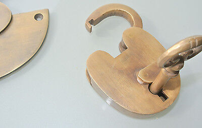 """large heavy HASP & STAPLE Padlock and KEY included WORKS 5"""" OVAL catch latch B 6"""