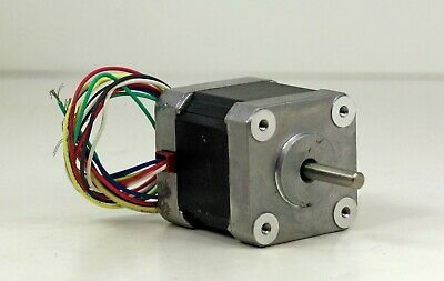 New In Open Box Oriental Motor Co. Vexta 2 Phase Stepping Motor PX245M-03AA 3