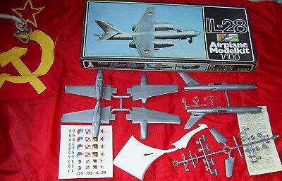 5 Stück Iljuschin IL-28 - 1:100 Master Modell / Plasticart Original verpackt !!