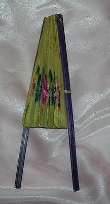 Antigüedad VINTAGE 1910 Mujer Ventilador,pintado a mano en bambú ESCARAPELA