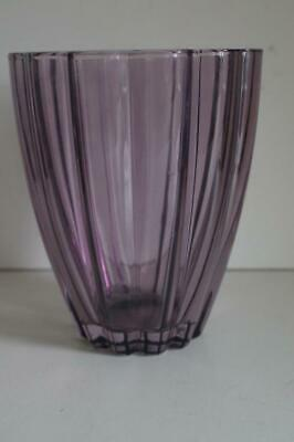 A Lovely Pale Purple Fluted Vase. 3
