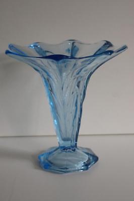 A Lovely Vintage Aqua Blue Glass Vase. 3