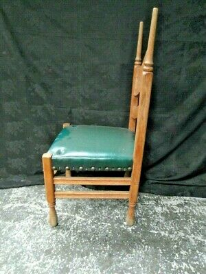 Three  Arts And Crafts  Oak Dining Chairs c.1900 5