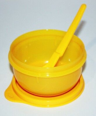 Tupperware Baby Feeding Set 7 oz. Sippy Bell Tumbler, Ideal Bowl & Spoon Yellow 3