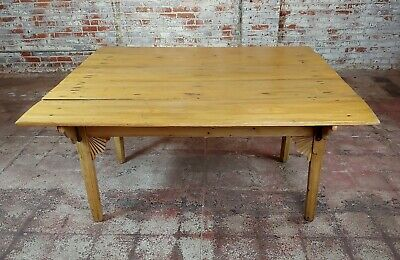 19th century French Farmhouse Pine Drop Leaf Dining Table 3
