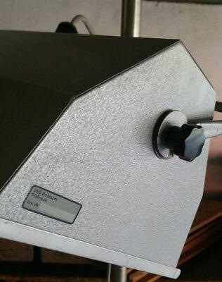 Alte Arztlampe Stehlampe Metall Rollen höhenverstellbar Medizin 6