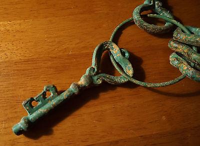 5 Rustic Green Patina Cast Iron Heart Skeleton Keys Primitive Style Home Decor 5