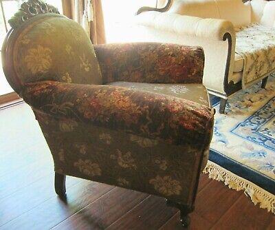 Vintage Carved Mahogany Armchair.(Sort Back) 2