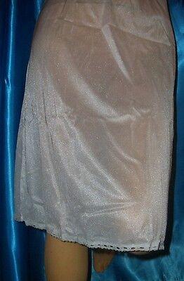 Reizvolles Vintage Triumph Glanz Nylon Spitzen Unterkleid 40 NEGLIGEE neu (E277)