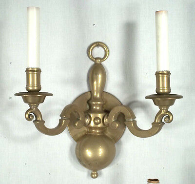 PAIR OF EARLY 20th CENTURY CLASSICAL ADAMS REGENCY DOUBLE ARM BRASS SCONCES 3
