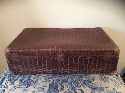 FRENCH VINTAGE SUITCASE c1950s (1250)
