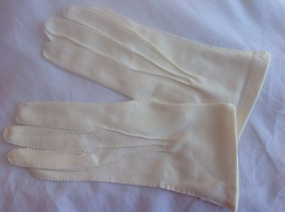 vintage gloves...cream Fabric...approx Size 7 7