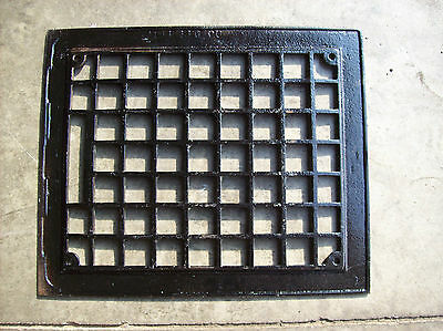 simple squares grate top no insert (G 457) 2