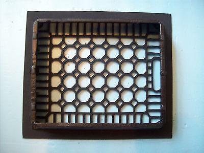 "No Fins Simple honeycomb heating grate cast iron 10"" x 12"" insert (G 384) 2"